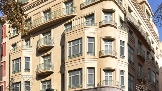 Façana de la botiga de Massimo Dutti a Portal de l'Àngel després de la remodelació. Foto cedida per Massimo Dutti.