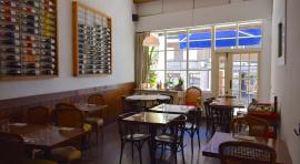 """Sala principal del restaurant """"Mala Hierba"""""""