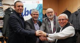De izquierda a derecha, Salvador Vendrell, presidente de la Fundación Barcelona Comerç, el concejal Agustí Colom, el presidente de PImec Comerç, Álex Goñi, i el president de Sant Antoni Comerç Vicenç Gasca