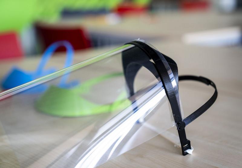 Equips de protecció contra la covid fabricats amb impressores 3D