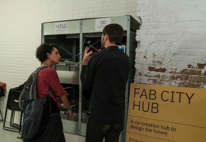 """Trobada """"El futur de l'alimentació urbana"""" del cicle DSIPLAY."""