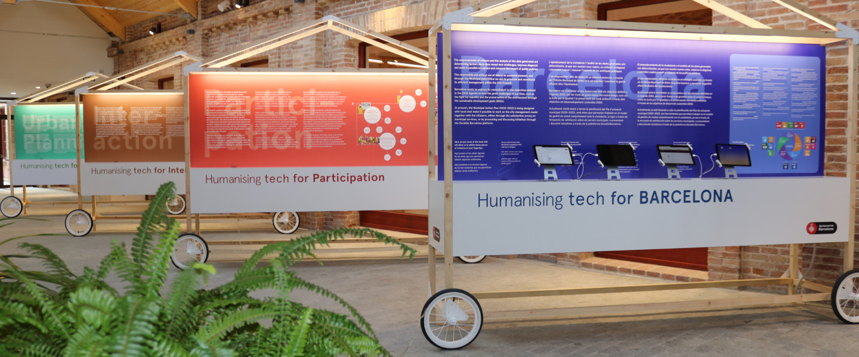 """Exposició """"Humanitzant la tecnologia per BARCELONA"""" a Ca l'Alier."""