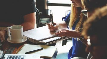 imatge millora ocupabilitat, persones treballant