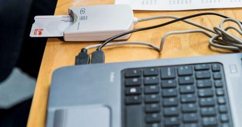 Inclusió digital (connectivitat i ordinadors per a la disminució de la factura digital)