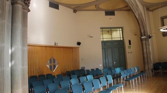 Interior de la sala de plenos del distrito de L'Eixample