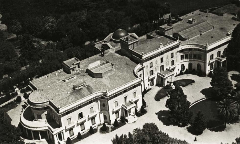 Vista aèria del Palau Reial de Pedralbes, 1925. Font: AFB, bcn004138. Josep Gaspar