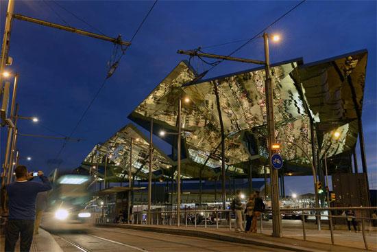 Barcelona estrenar el nuevo mercado de los encants les for El mercat de les glories