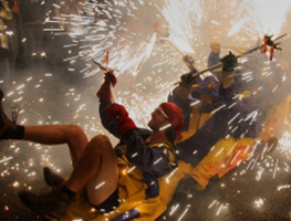 El correfoc i fi de festa major de Gràcia