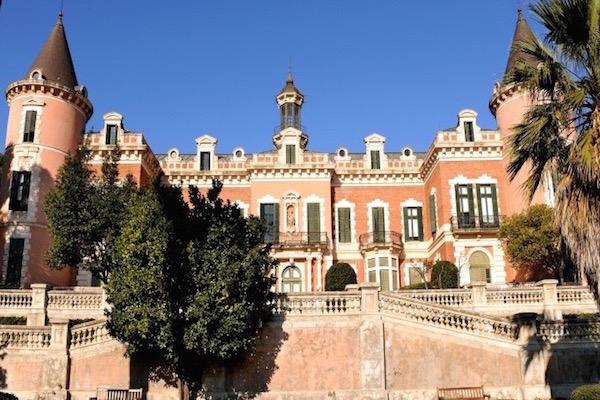 Els jardins del Palau de les Heures