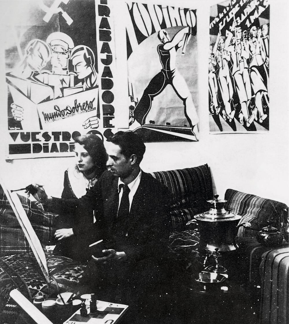 Helios Gómez e Ira Weber en su estudio de Moscú, 1932-1933