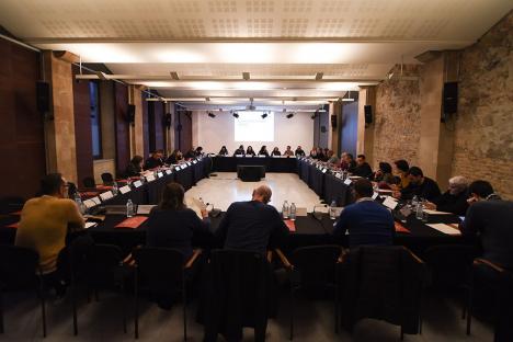 Fotografía de una sesión del Consejo Municipal LGTBI 3