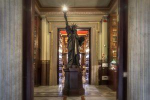 Arús Public Library