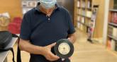 Andreu Suriol amb disc postal (Foto: S. Guasteví)