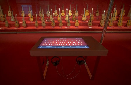 Taula interactiva, Museu de la Música de Barcelona (Foto: S. Guasteví)