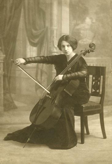Guilhermina Suggia, autor desconegut (via Wikimedia Commons)
