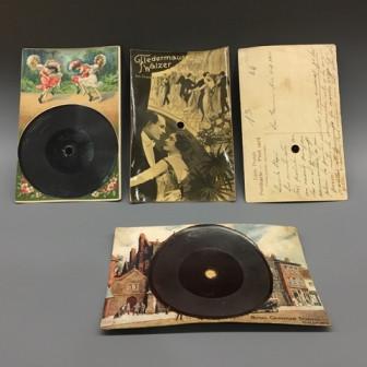 Discos postal del Museu de la Música de Barcelona (Foto: S. Guasteví)