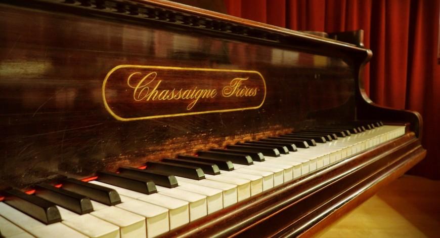 Detall del teclat del piano de Chassaigne