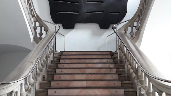 Escaleras sede del Distrito de Nou Barris