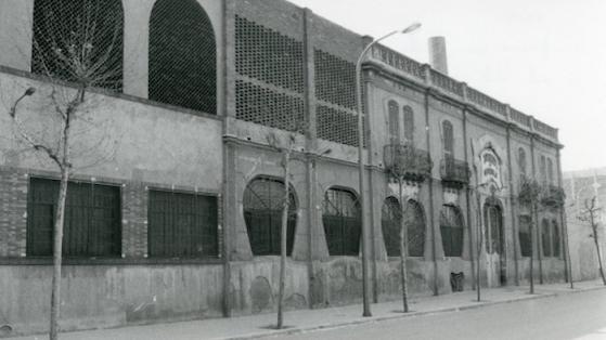 Fàbrica Apresto de Sederies al carrer Cristòbal Moura, 126. 2000 aprox.