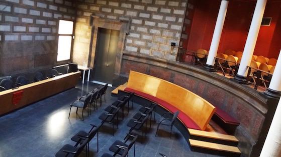 Interior de la sala de casaments civils al districte de Sant Martí