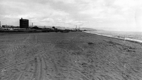 Playa del Bogatell en el Besòs.1978.