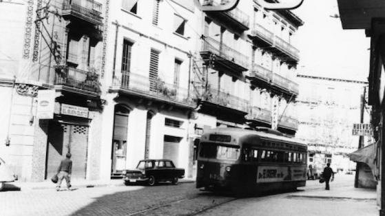 Tranvía por la calle Rogent. 1969.