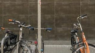 Anclaje de bicicletas en la calle