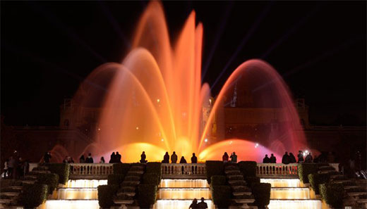The Magic Fountain shows are on again