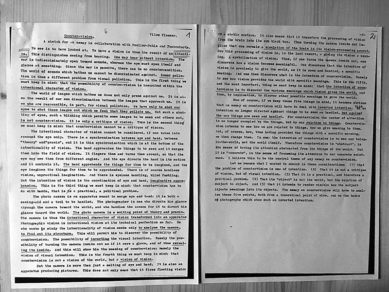 Photograph of Vilém Flusser's text Counter-vision, read during the discussion sessions of the Counter-visions Laboratory at